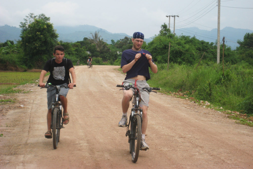 1 Day Cycling Explore Land of Ethnic Diversity